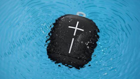 UE Wonderboom waterproof speaker in swimming pool